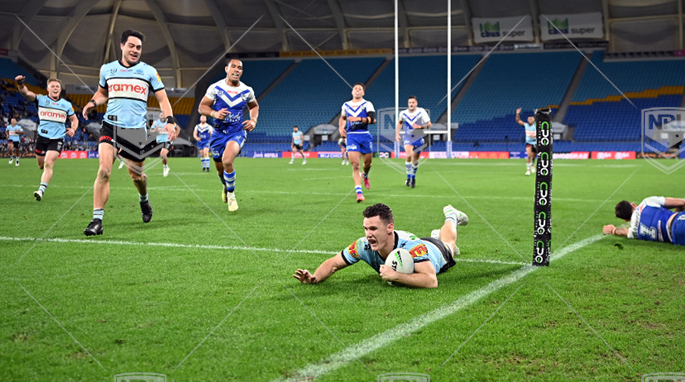 NRL 2021 RD19 Canterbury-Bankstown Bulldogs v Cronulla-Sutherland Sharks - Connor Tracey, try, Celeb